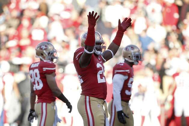 Running back Anthony Dixon (24) during the third quarter of the San Francisco 49ers game against the Arizona Cardinals at Candlestick Park in San Francisco, Calif., on Sunday December 30, 2012. Photo: Carlos Avila Gonzalez, The Chronicle