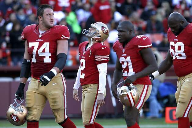 Offensive tackle Joe Staley (74), Running back Frank Gore (21) and Guard Leonard Davis (68) run off the field after Kicker David Akers (2) misses a field goal in the second quarter of the San Francisco 49ers game against the Arizona Cardinals at Candlestick Park in San Francisco, Calif., on Sunday December 30, 2012. Photo: Carlos Avila Gonzalez, The Chronicle