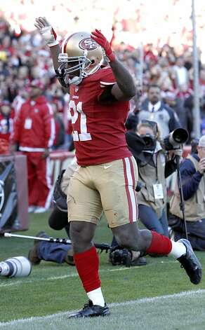 San Francisco 49ers Running back Frank Gore (21) celebrates after scoring a touchdown in the fourth quarter of the San Francisco 49ers game against the Arizona Cardinals at Candlestick Park in San Francisco, Calif., on Sunday December 30, 2012. Photo: Carlos Avila Gonzalez, The Chronicle