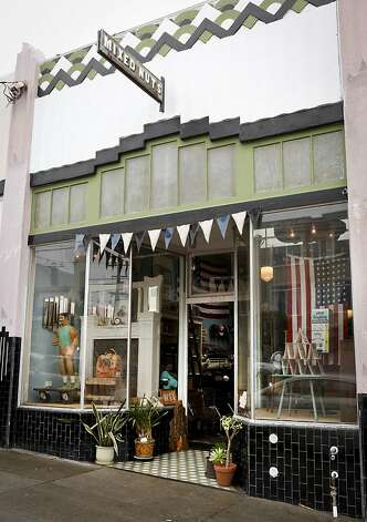 The exterior of Mixed Nuts on Balboa Street. Photo: Russell Yip, The Chronicle