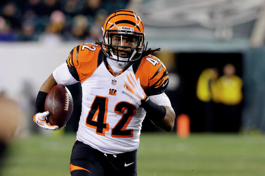 A top-flight runner: Although Cincinnati's rushing offense is middle-of-the-road, ranking 18th in the NFL, BenJarvus Green-Ellis has had a career season with 1,094 rushing yards. The Bengals could be without this crucial piece on Saturday. Green-Ellis suffered a hamstring injury in pregame warmups on Sunday, and his status is uncertain. Photo: Mel Evans