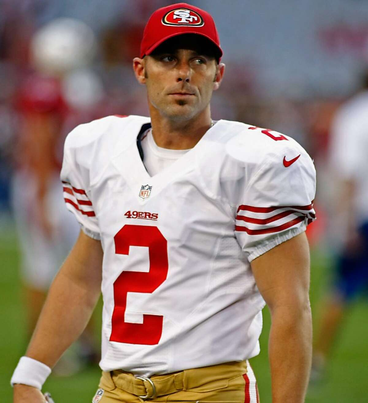 GLENDALE, AZ - OCTOBER 29: Kicker David Akers #2 of the San Francisco 49ers walks off the field during an NFL game against the Arizona Cardinals at University of Phoenix Stadium on October 29, 2012 in Glendale, Arizona. (Photo by Ralph Freso/Getty Images) GLENDALE, AZ - OCTOBER 29: Kicker David Akers #2 of the San Francisco 49ers walks off the field during an NFL game against the Arizona Cardinals at University of Phoenix Stadium on October 29, 2012 in Glendale, Arizona. (Photo by Ralph Freso/Getty Images)