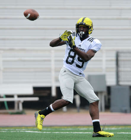 U.S. Army All-American Bowl West Team WR Ricky Seals-Jones (89) from Sealy High School in Sealy, TX looks in a pass during a U.S. Army All-American Bowl West Team practice at Comalander Stadium, Monday, December 31, 2012.  John Albright / Special to the Express-News. Photo: JOHN ALBRIGHT, Express-News / San Antonio Express-News