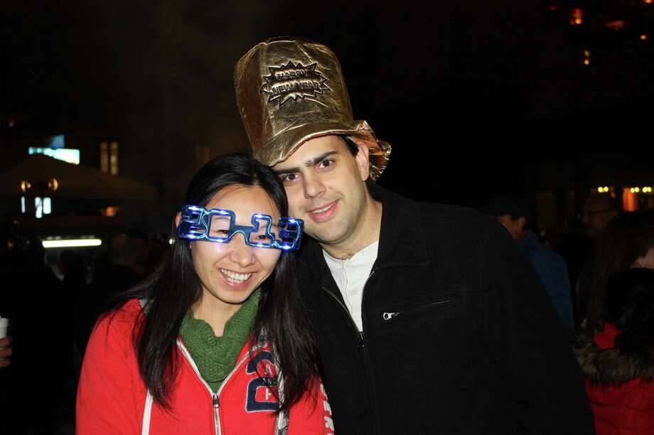 Revelers prepare to welcome 2013 during Celebrate San Antonio downtown on Dec. 31, 2012. Photo: Benjamin Olivo / MySA.com
