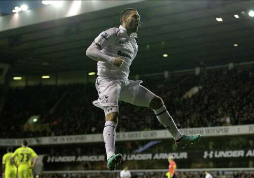 9) Dempsey played six years at the best league in the world, the English Barclay's premier league, five seasons with Fulham where he scored 50 in 184 appearances and one with Tottenham Hotspur where he appeared in 29 matches and scored seventh before coming back to the US with the Seattle Sounders. Photo: Sang Tan, Associated Press / AP