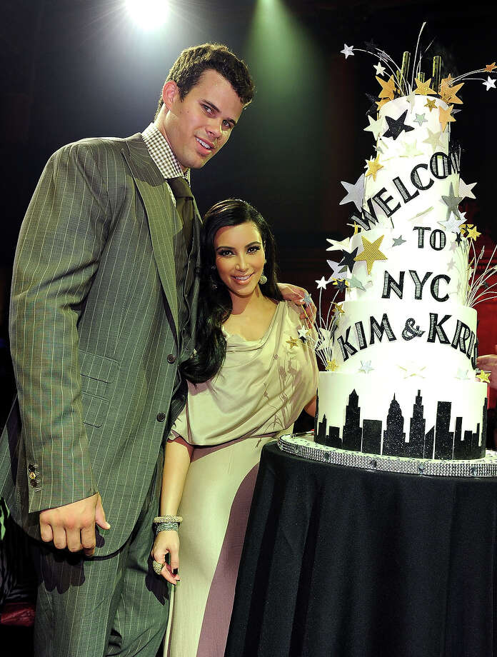 NBA player Kris Humphries (L) and TV personality Kim Kardashian attend A Night of Style & Glamour to welcome newlyweds Kim Kardashian and Kris Humphries at Capitale on August 31, 2011 in New York City. Photo: Dimitrios Kambouris, Getty Images / 2011 Getty Images
