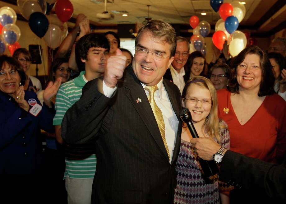 U.S. Rep. John Culberson his daughter, Caroline Culberson, 12, and his wife, Belinda Culberson , right, arrive at election watch party at Maggiano's, 2019 Post Oak Blvd.,  Tuesday, Nov. 4, 2008, in Houston. Photo: Melissa Phillip, Chronicle / Houston Chronicle