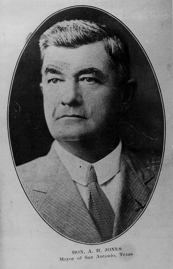Augustus H. Jonesserved as Mayor of San Antonio from Aug. 18, 1912 to  April 7, 1913. He died in office. Photo: SAN ANTONIO EXPRESS NEWS ARCHIVE / EXPRESS NEWS ARCHIVE