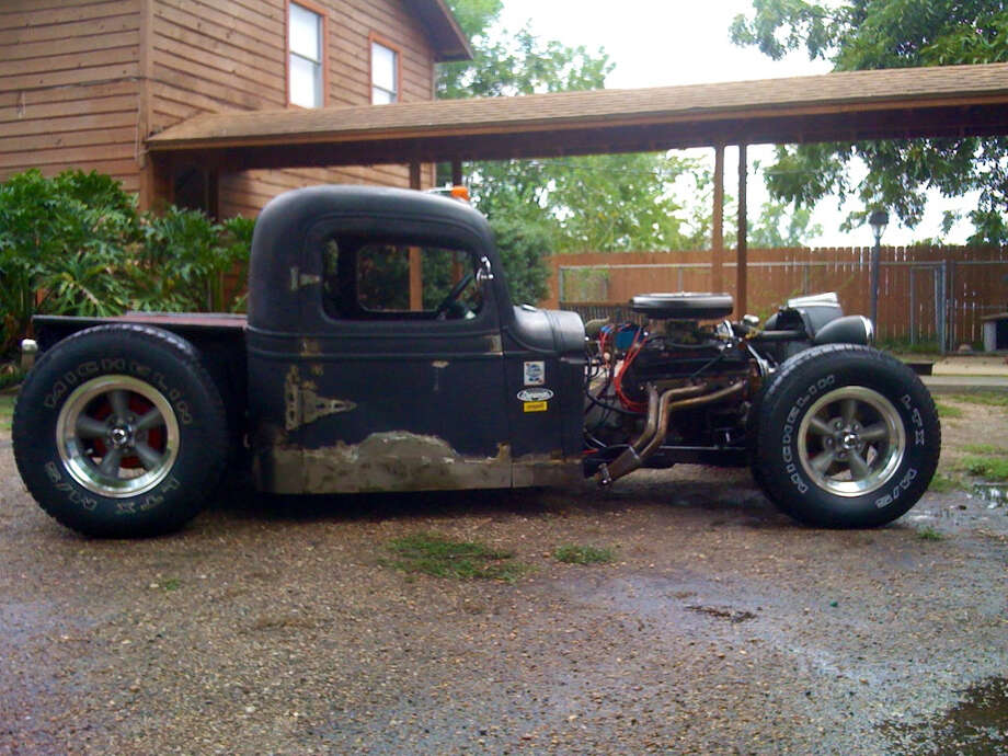 Waggonner's rat rod now has a 350 small-block roller motor, a 350 automatic transmission with a Hearst track shifter, and a 4-link rear with a track bar on air bags. (Don Waggonner)