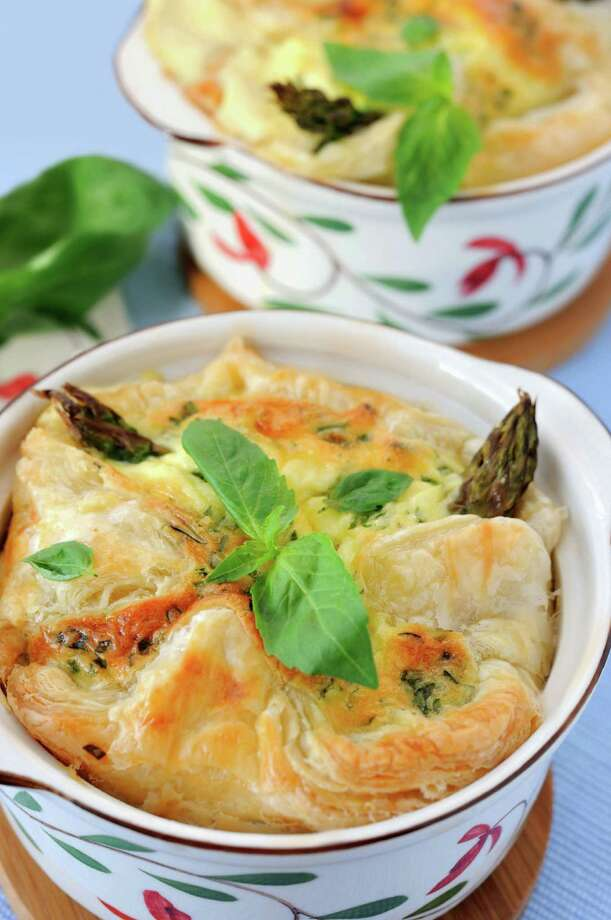Lighter version of Pot Pies. (Fotolia.com) / MarinaParshina - Fotolia