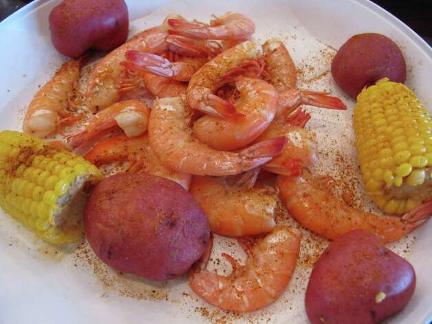 Peel & Eat Shrimp, with corn on the cob and new potatoes. Photo: Jennifer McInnis, San Antonio Express-News