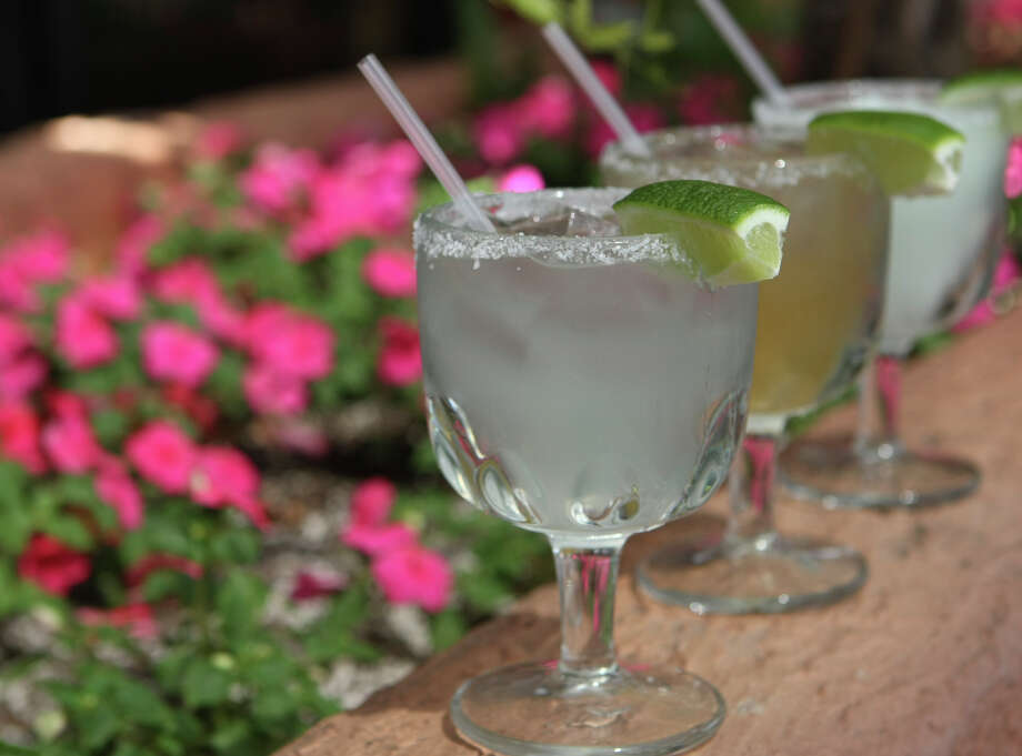 Margarita on the rocks from Los Barrios.  Photo: HELEN L. MONTOYA, SAN ANTONIO EXPRESS-NEWS / hmontoya@express-news.net