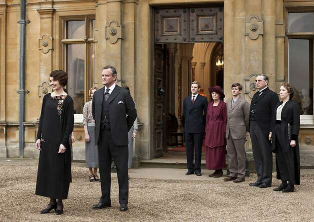 Elizabeth McGovern (left), Hugh Bonneville, Dan Stevens, Penelope Wilton, Allen Leech,  Jim Carter and Phyllis Logan. Photo: Nick Briggs, PBS