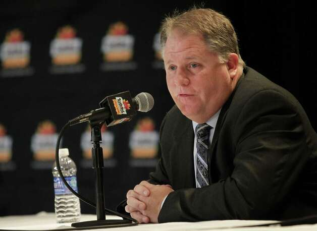 Oregon head coach Chip Kelly address the media, Wednesday, Jan. 2, 2013, in Scottsdale, Ariz. Oregon will face Kansas State Thursday in the Fiesta Bowl NCAA college football game. (AP Photo/Matt York) Photo: Matt York