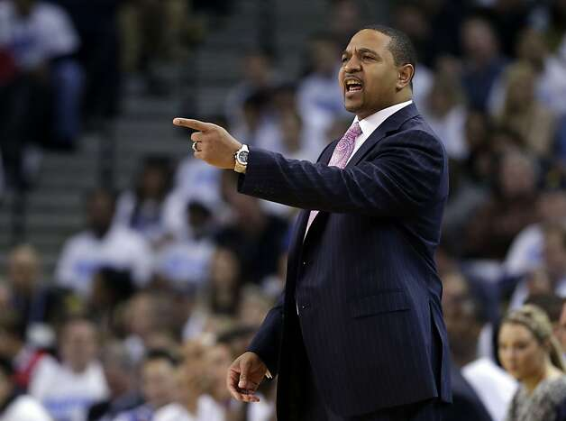 Golden State Warriors head coach Mark Jackson instructs his team against the Los Angeles Clippers during the first half of an NBA basketball game in Oakland, Calif., Wednesday, Jan. 2, 2013. (AP Photo/Marcio Jose Sanchez) Photo: Marcio Jose Sanchez, Associated Press