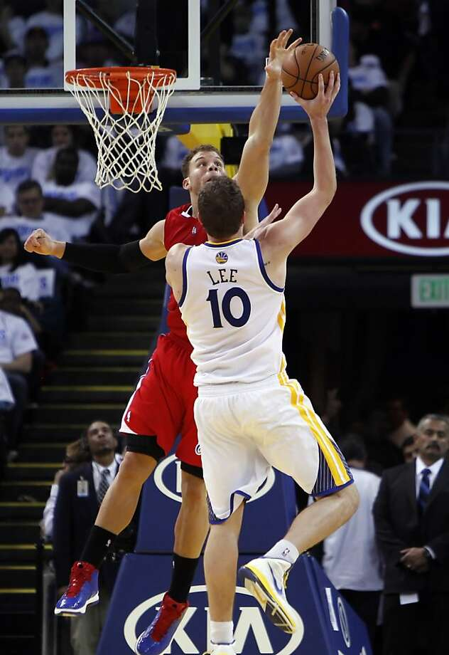 David Lee had 24 points and 13 rebounds, while the Clippers' Blake Griffin was limited to 10 points. Photo: Carlos Avila Gonzalez, The Chronicle