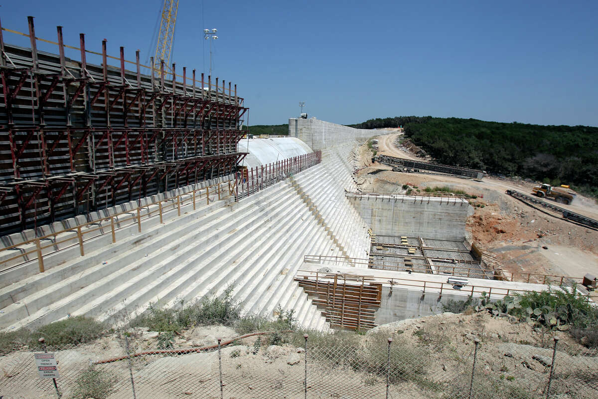 Construction continues on the Dry Comal Creek Flood Retarding Structure on August 8, 2012.