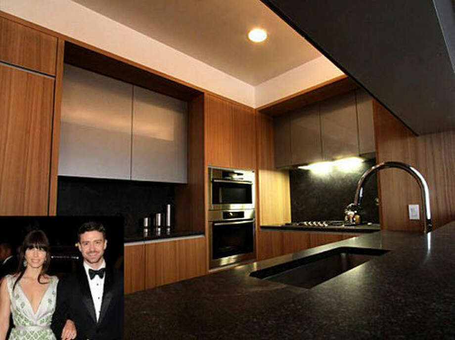 Not much gets cooked in this hotel-like kitchen shared by Justin Timberlake and Jessica Biel. Photo via Zillow and People.com.