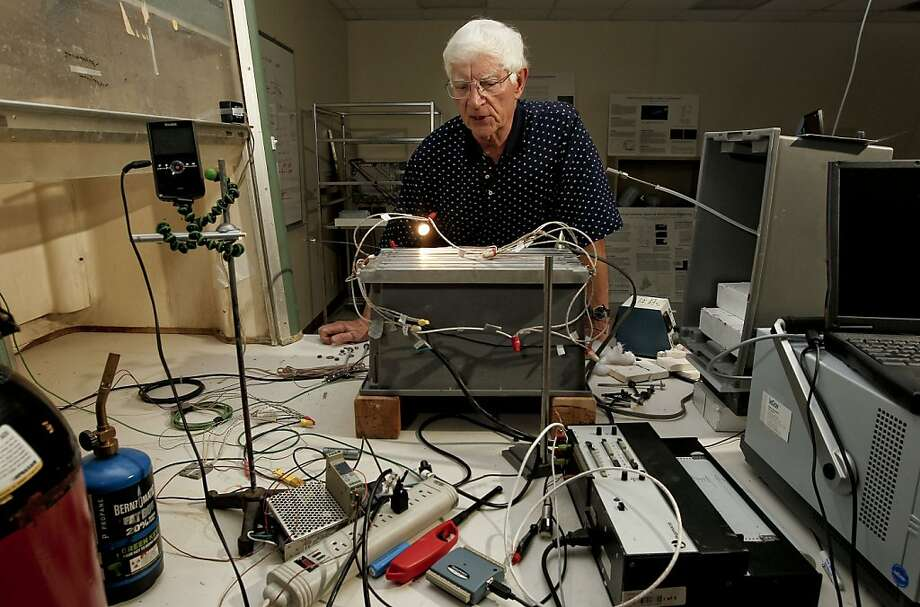 Armand Neukermans works in his team's laboratory in Sunnyvale on technology intended to make coastal clouds more reflective. Photo: Michael Macor, The Chronicle
