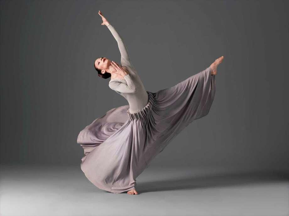 Martha Graham Dance Company Herodiade Elizabeth Auclair Photo by John Deane c. / ©2004 John Deane