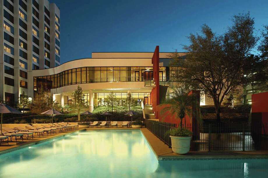 >>>Check out the swankiest hotel pools in Houston.  Photo: Omni Houston Hotel