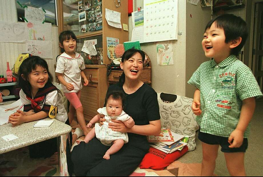 In 1998, this large family was already a dying breed in Japan, where the population growth rate has plunged into negative territory and is a bellwether for the rest of the world. Photo: Shizuo Kambayashi, Associated Press