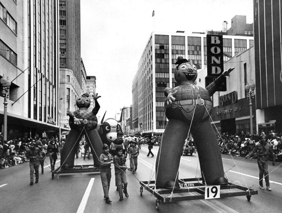 Cowboy clowns at the 1970 Foley's Thanksgiving Day Parade. Photo: Othell O. Owensby Jr., Houston Chronicle / Houston Chronicle