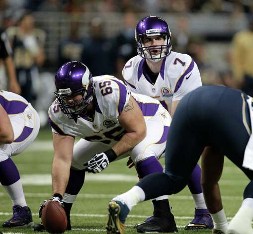 Minnesota Vikings center John Sullivan (65) gets set to snap the ball to quarterback Christian Ponder (7) during the first quarter of an NFL football game against the St. Louis Rams Sunday, Dec. 16, 2012, in St. Louis. (AP Photo/Tom Gannam) Photo: Tom Gannam, AP / FR45452 AP