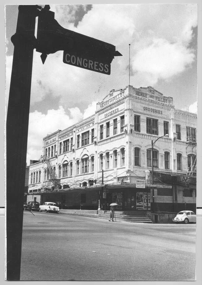 Main Henke & Pillot store at Congress and Milam, July 1960. Photo: Houston Chronicle / Houston Post files