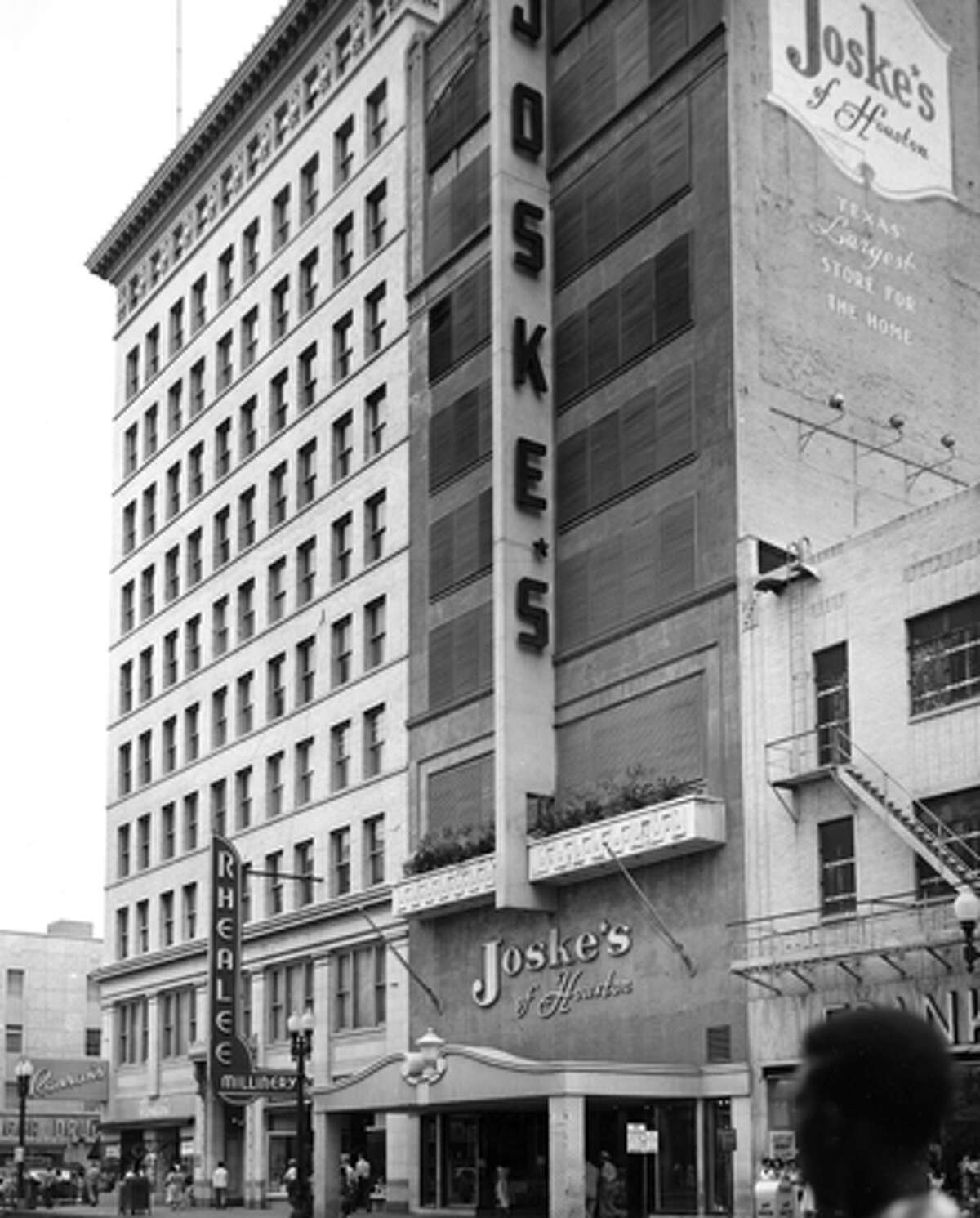 1953: Joske's store at 407 Main in downtown Houston. This store, the chain's first in Houston, opened in October 1948 and initially sold home furnishings. Previously, the site was home to Foley's. The building was eventually demolished.