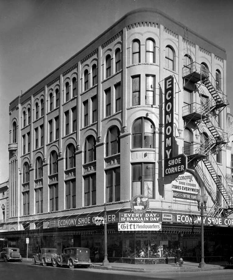 Kiam Building. (Story Sloane Collection)