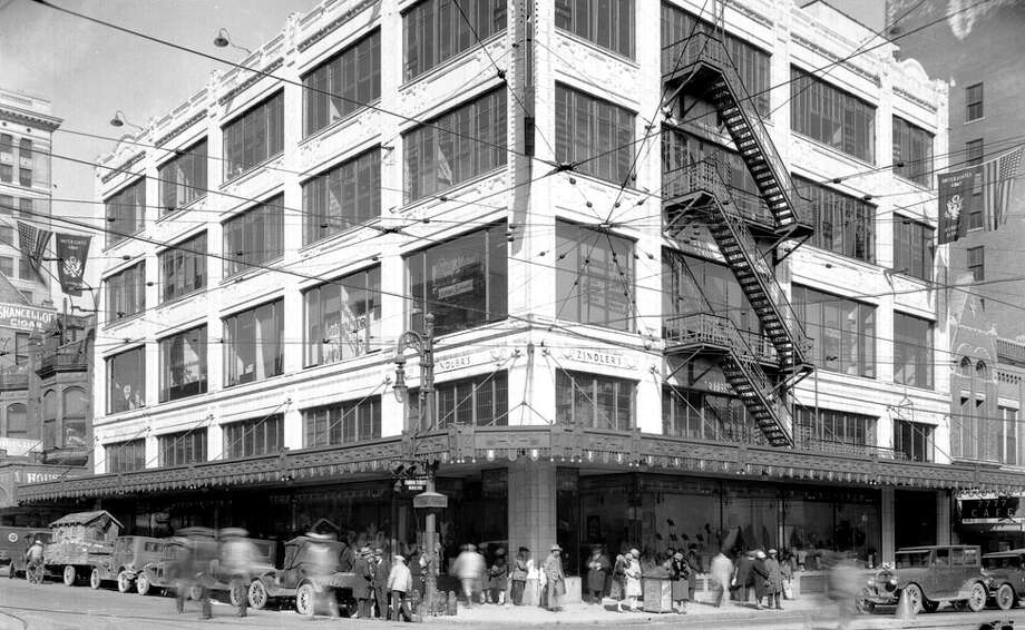 Zindler's clothing store, Fannin and Congress. (Story Sloane Collection)