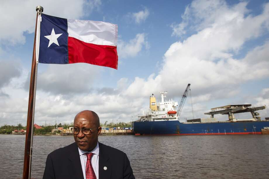ACCESS TO THE GULF. So what if Louisiana has 30 more miles of coastline. If you want to fish, ship your oil or bring in a load of mangos, odds are good you'll eventually have to deal with Texas. (Michael Paulsen/Chronicle)