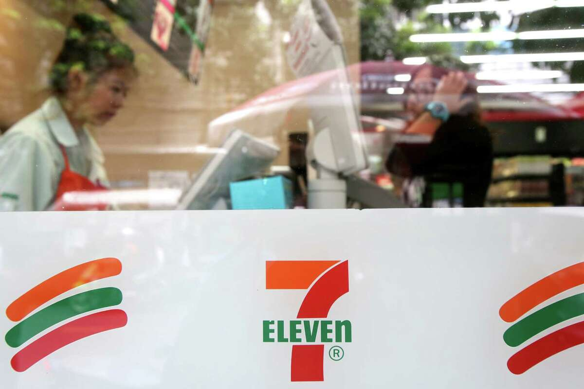 The 7-Eleven Inc. logo is displayed at a convenience store, operated by CP All Pcl, in Bangkok, Thailand, Aug. 9, 2012. Photographer: Dario Pignatelli/Bloomberg