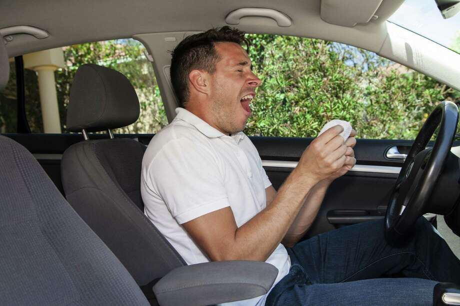 Sneezing behind the wheel? Watch out! (Fotolia.com) Photo: Zstockphotos / zstock - Fotolia