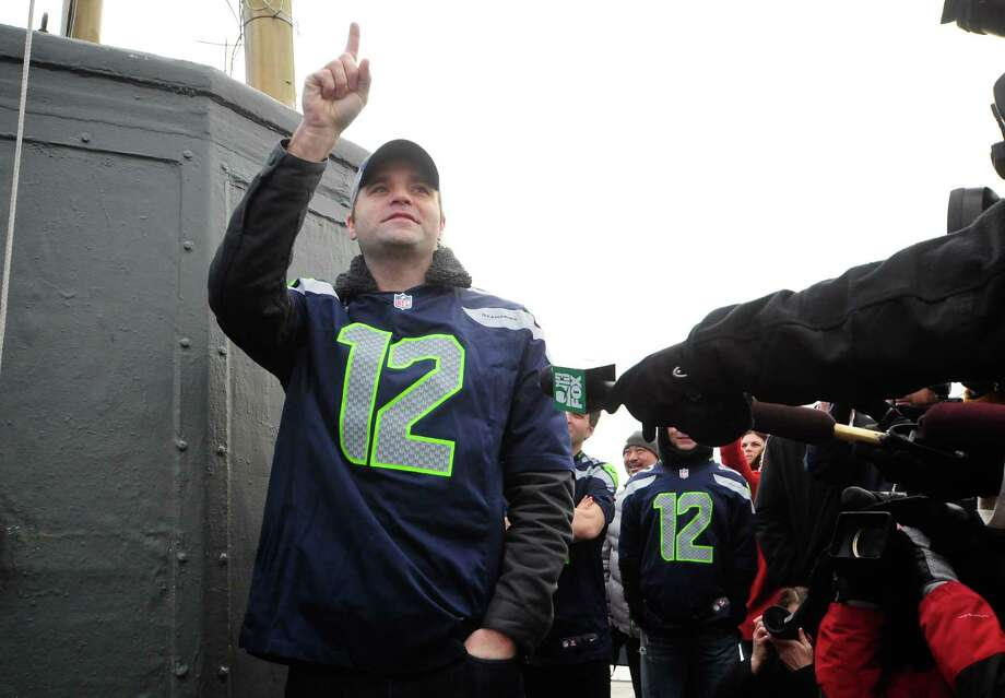 Ben Gibbard of Death Cab for Cutie predicts a Seahawks' win. Photo: LINDSEY WASSON, Seattlepi.com / SEATTLEPI.COM