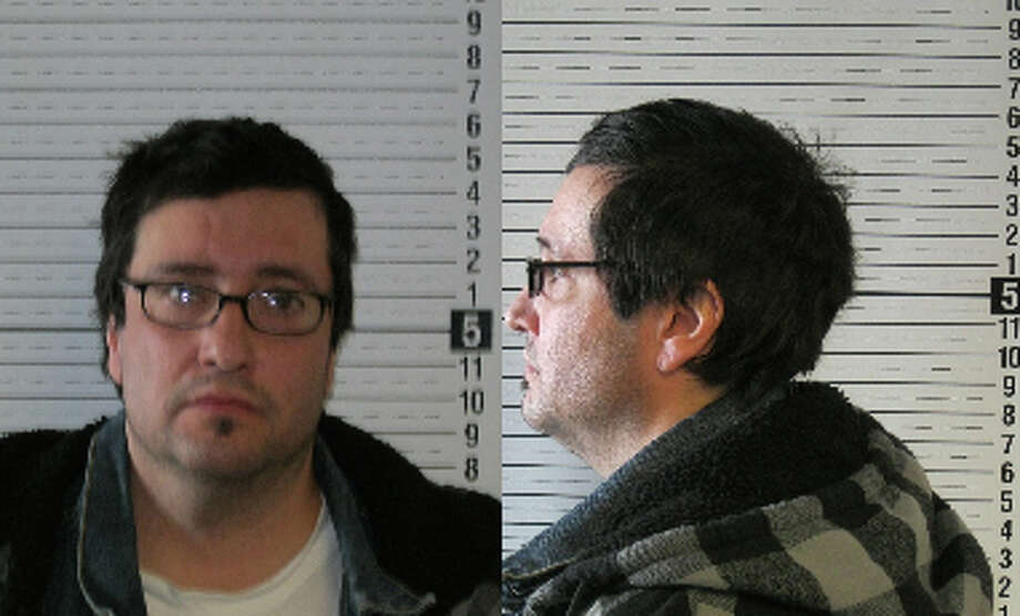Michael Lee Hyatt, 43, was previously convicted of failing to register as a sex offender in Cowlitz County. A warrant for the Missouri man's arrest was issued Oct. 26, 2012. Anyone with information can contact the Department of Corrections at 866-359-1939 or by visiting doc.wa.gov. Photo: Washington State Department Of Corrections