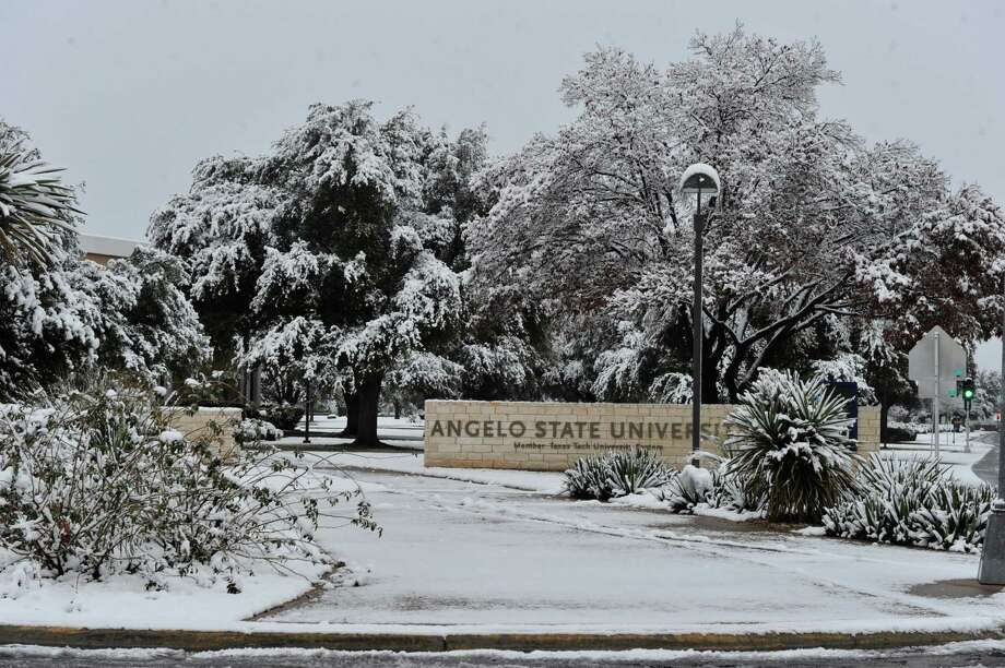 More than 2 inches of snow covers the Angelo State University campus Friday, Jan. 4, 2013.  This is San Angelo's first snow fall of the winter. Photo: Kimberley Meyer, Associated Press / San Angelo Standard-Times