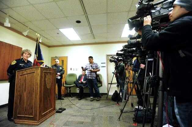 Bexar County Sheriff Susan Pamerleau speaks about Susana Cervantes, a deputy who was arrested on January 3, during a press conference on Friday, Jan. 4, 2013. Photo: Billy Calzada, San Antonio Express-News / SAN ANTONIO EXPRESS-NEWS