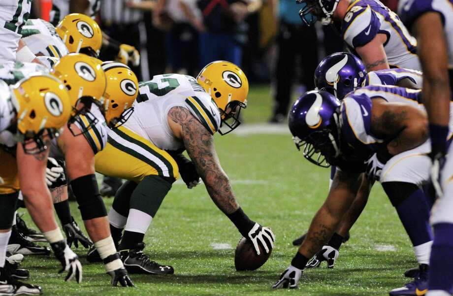 The Packers and Vikings will line up opposite one another for the third time this season. Photo: Jim Mone, STF / AP