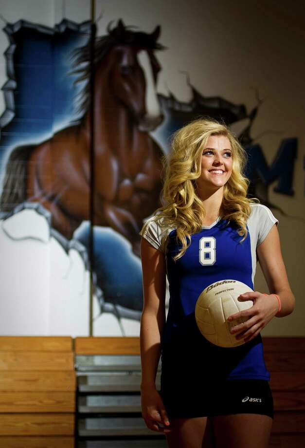 All-Greater Houston Volleyball Player of the Year Jillian Bergeson fulfilled her senior-season goal of leading Friendswood into the state tournament. Photo: Nick De La Torre, Staff / © 2012  Houston Chronicle