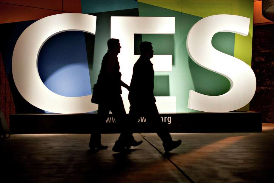"This year's International Consumer  Electronics Show won't have a ""breakthrough product,"" but mostly familiar gadgets with more bells and whistles. Photo: Daniel Acker, 963292 / © 2012 Bloomberg Finance LP"