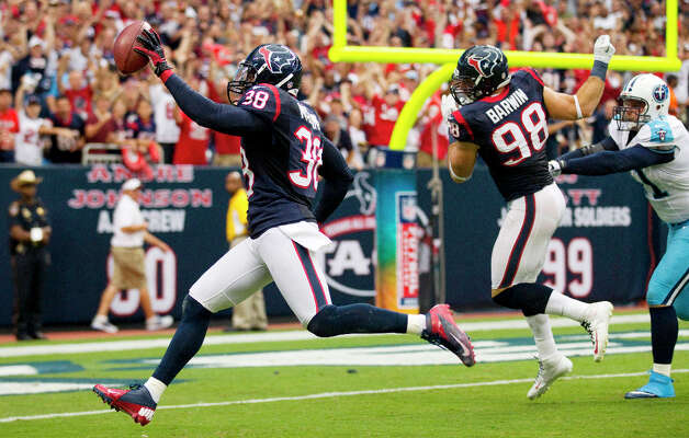 Sept. 30Texans 38, Titans 14 (4-0)The Texans never trailed in a relentless pounding of the Titans, getting two touchdown passes from Schaub and long interception returns for touchdowns by Danieal Manning and Kareem Jackson.  Photo: Brett Coomer, Houston Chronicle / © 2012  Houston Chronicle