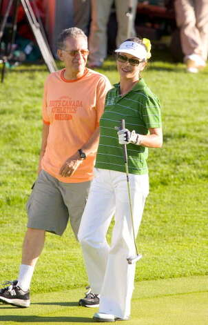 2005: David Letterman and Catherine Zeta Jones at the AllStar Golf Cup. WireImage / Mike Marsland/ Wireimage