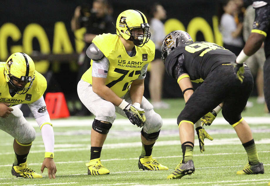 Steven Elmer (72) of Midland High School prepares for the snap of the ball in the first half of the 2013 U.S. Army All-American Bowl at the Alamodome on Saturday, Jan. 5, 2013. The East Team defeated the West, 15-8. Photo by Kin Man Hui/San Antonio Express-News. Photo: Kin Man Hui, Express-News / © 2012 San Antonio Express-News