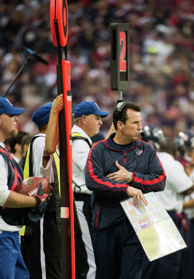 Houston Texans head coach Gary Kubiak paces the side lines during the first half of an NFL playoff football game against the Cincinnati Bengals at Reliant Stadium on Saturday, Jan. 5, 2013, in Houston. Photo: Smiley N. Pool, Houston Chronicle / © 2013  Houston Chronicle