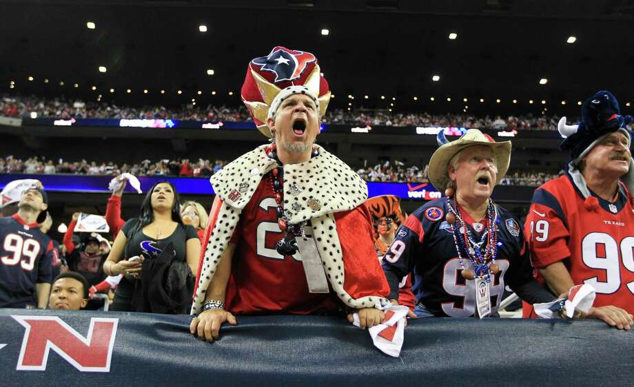 Texans fan David Nagy screams during the fourth quarter. Photo: Karen Warren, Houston Chronicle / © 2012 Houston Chronicle
