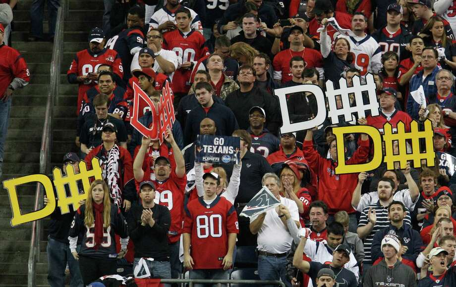 Texans fans cheer their defense during the fourth quarter. Photo: Karen Warren, Houston Chronicle / © 2012 Houston Chronicle
