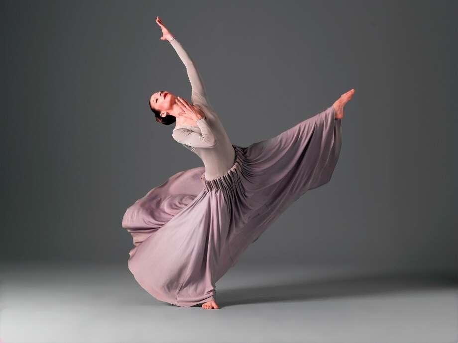 Martha Graham Dance CompanyHérodiadeElizabeth AuclairPhoto by John Deane © (©2004 John Deane) / ©2004 John Deane
