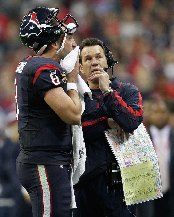Texans quarterback Matt Schaub (8) confers with head coach Gary Kubiak during a time out in the third quarter. Photo: Karen Warren, Houston Chronicle / © 2012 Houston Chronicle